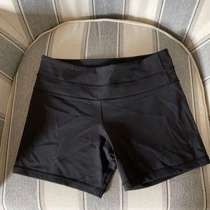 EUC Lululemon bike shorts size 6